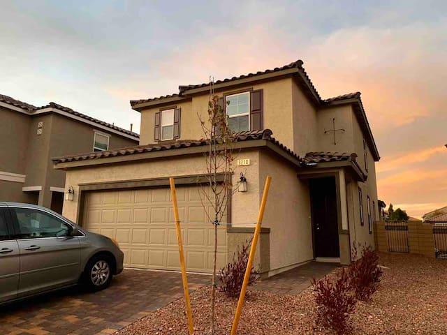 New construction beautiful house, 4 beds& 3 bath