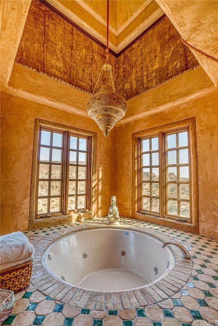 Le Haute Desert Aerie - Main House - Master Suite