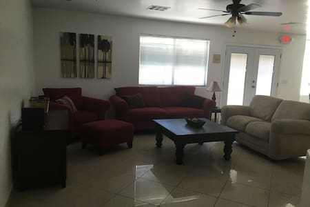 Beautiful, spacious home! - Maison