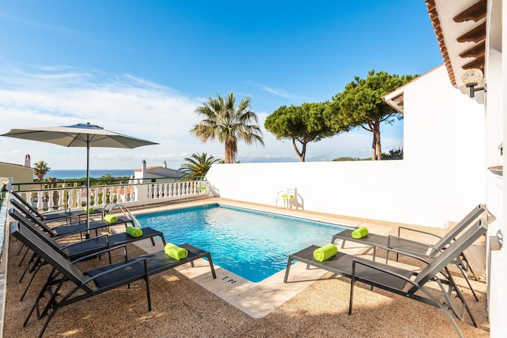 """Beautiful """"Villa Carolina"""" with Ocean View, Pool, A/C, Wi-Fi & Terrace; Parking Available"""