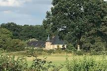 Le Manoir dans la campagne