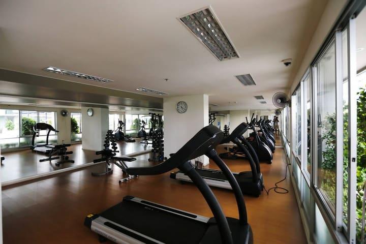 Lumpini  公寓 芭提雅 距离中天海滩20米 海景高层两居 短租 长租 苠宿