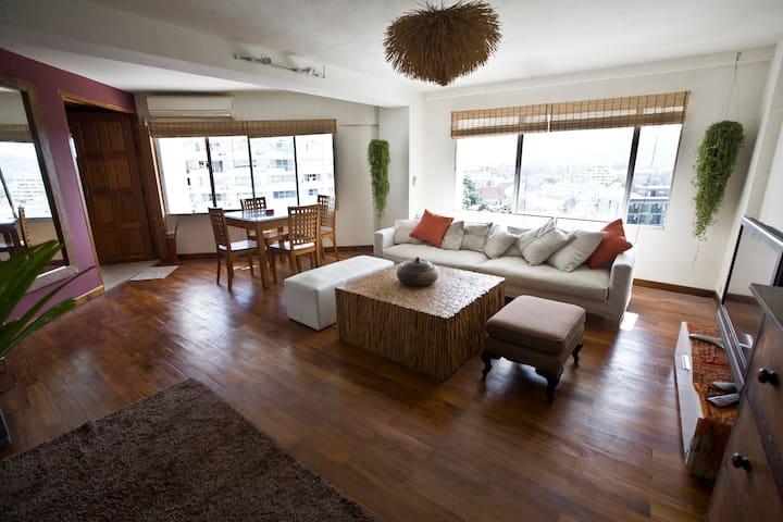 Stylish, spacious & mountain view - Chiang Mai - Condominio