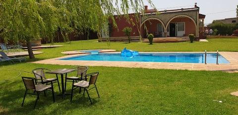 Villa-ferme privée à  5 km Aereport FES- Maroc