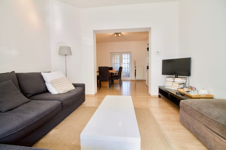 Cosy flat in Uccle-Ixelles