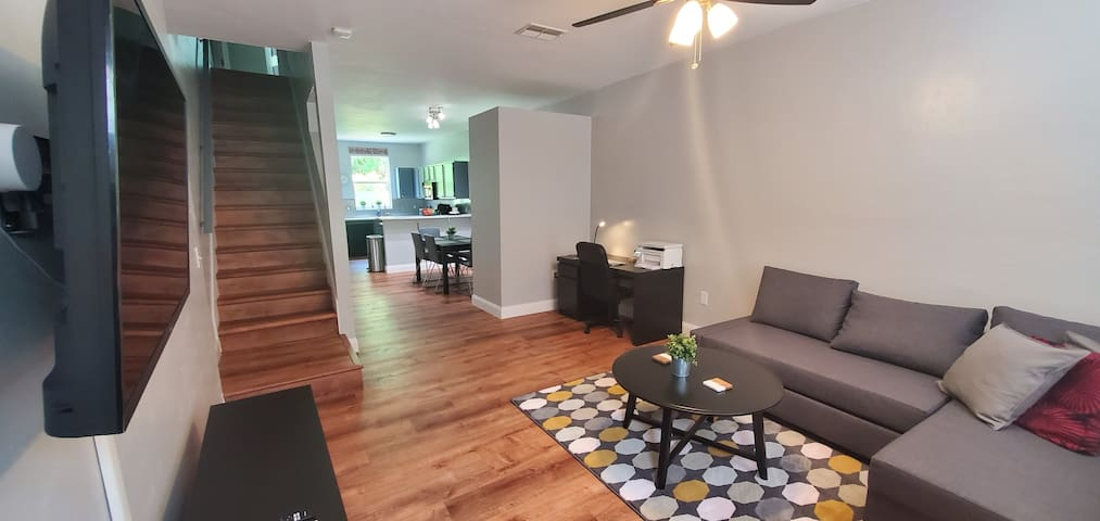 Modern Condo Just Min From UF/Shands/VA