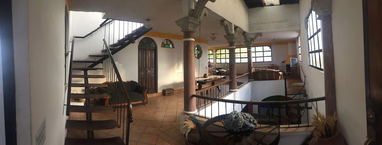 Boutique suite #2 private bath! Happy Home Away :) - Antigua Guatemala - Castillo