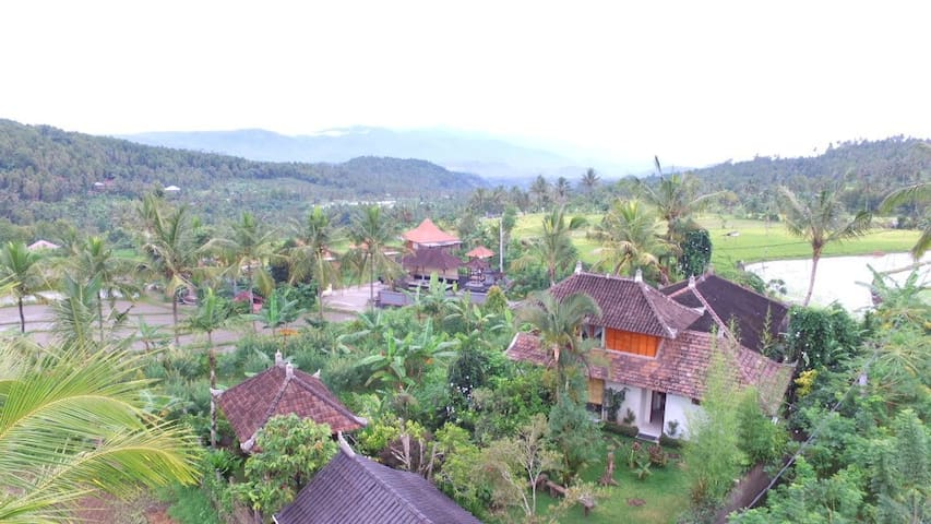 Kubu Shanti Sanda Bale Room