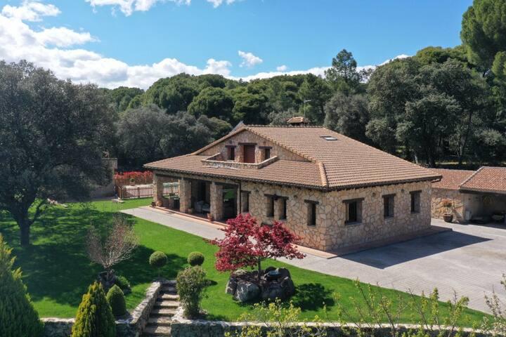 Finca Las Cigueñas - Casa rural en entorno idílico