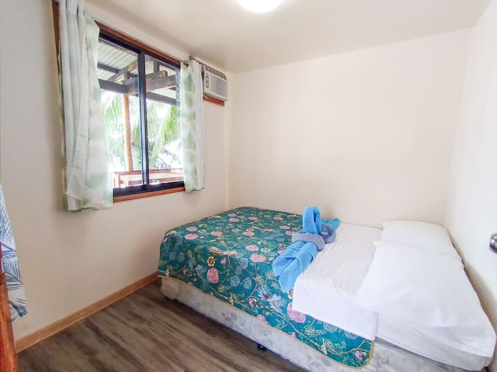 Seafront House with shared kitchen & BBQ place