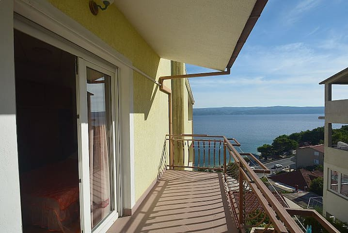 Apatments Kristal 5 with beautiful sea view