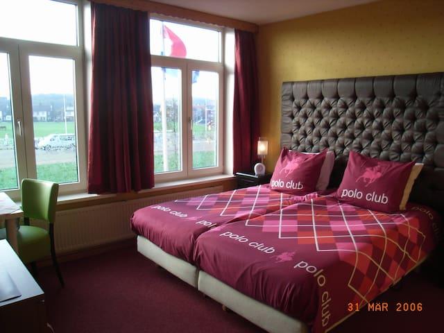 B&B met mooie heldere kamers - Wijk aan Zee - Bed & Breakfast