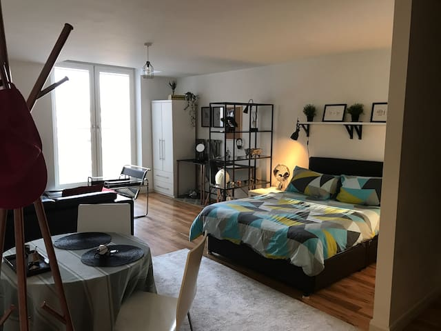 Studio apartment by city centre - Birmingham - Lakás