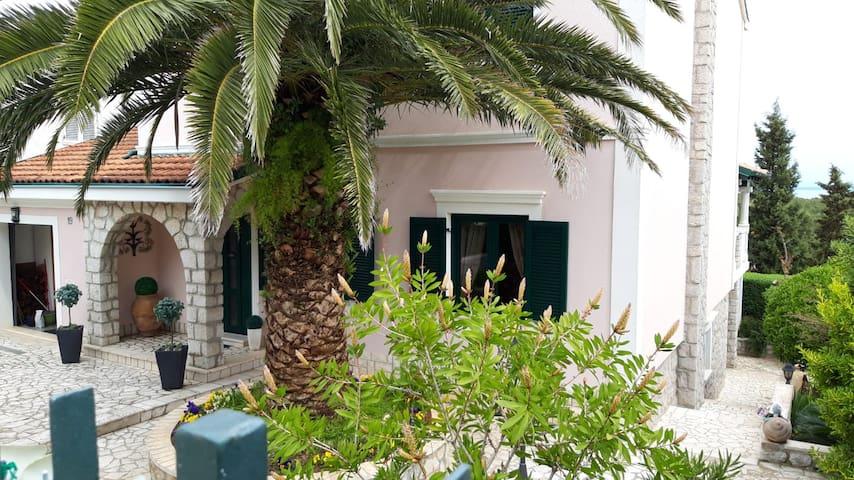 Losinj charming studio close to the beach