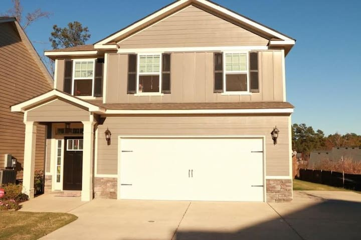 Entire Home For Rent - Grovetown - Bed & Breakfast