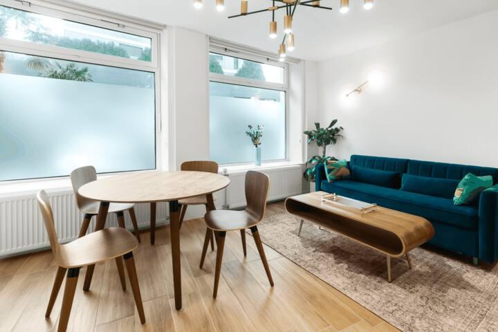 ⭐ Large studio 2 beds Montreux Centre ⭐