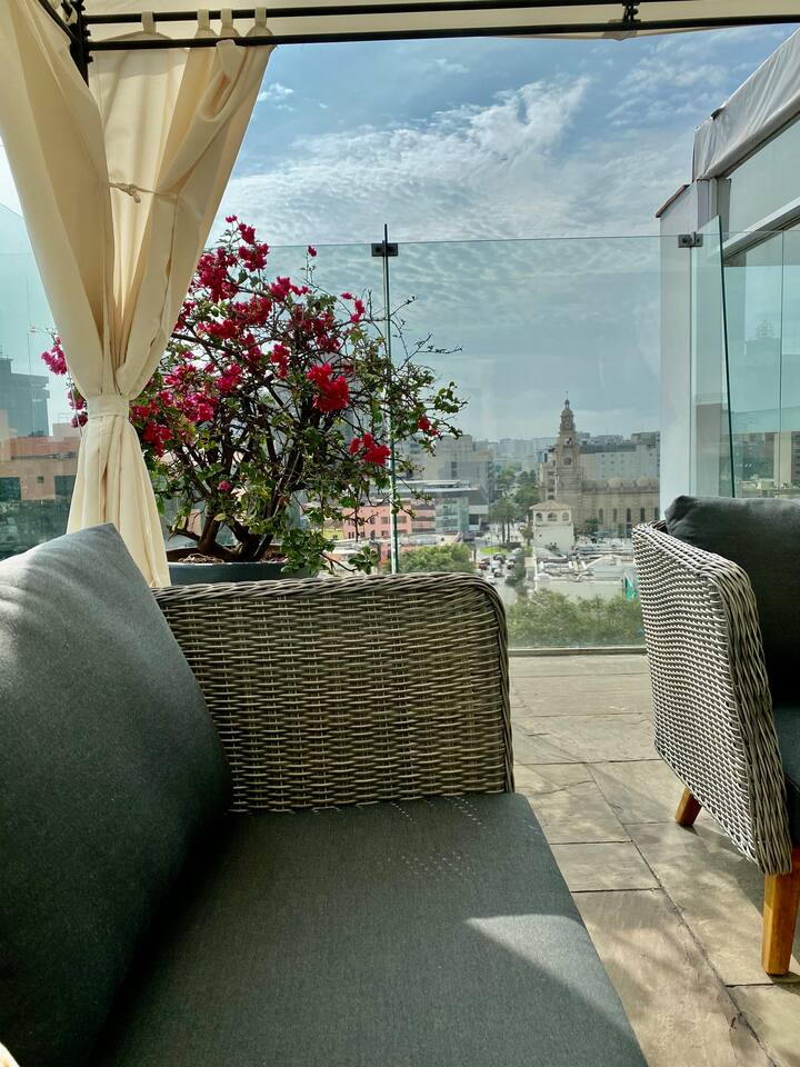 5 Star Stay in Chic San Isidro – walk to park