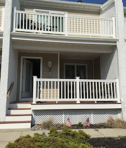 Beautiful Getaway 2.5 blocks from the Beach & Bay! - Wildwood Crest