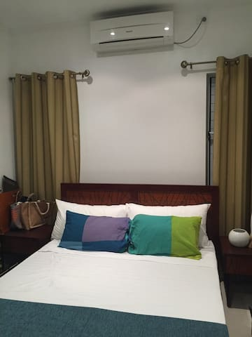 Private room in new apartment building near town - Suva - Apartment
