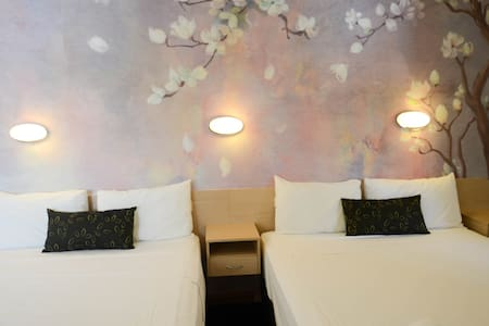 Suite for 4, Free Wifi, Airport & Cruise transfer - Hamilton - Hostel