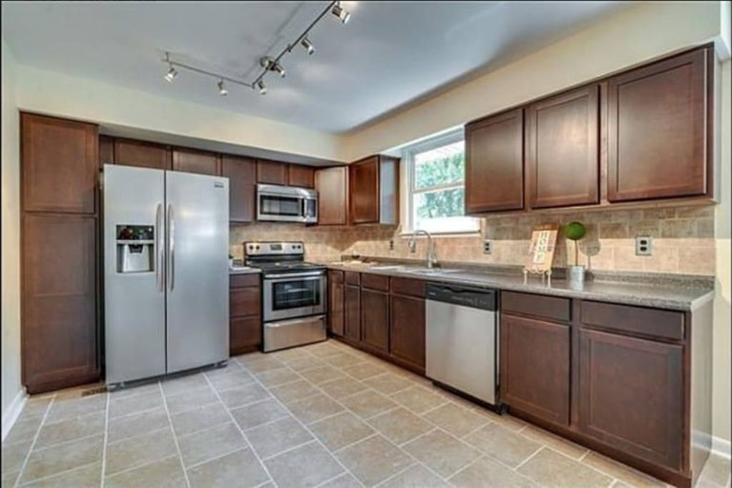 Full kitchen is available for use. Complimentary dish detergent/ dishwasher tablets, and coffee is provided.