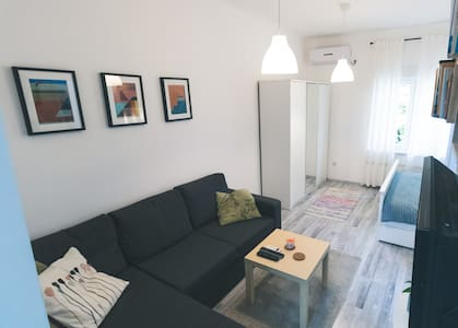 Newly adapted Studio 88***, 10min from downtown
