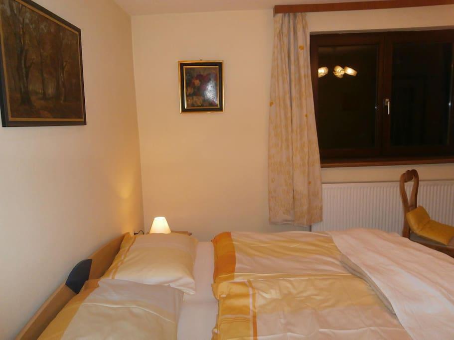 Schlafzimmer mit Blick nach Hennesteck