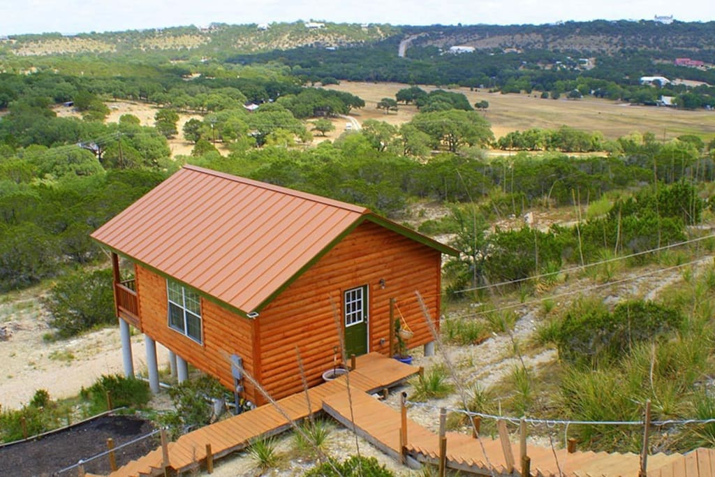 Eagle ridge cabin cabins for rent in wimberley texas for Eagles ridge log cabin