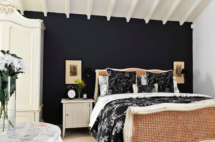 Teardrop cottage. A luxury B and B. - Knaresborough - Bed & Breakfast