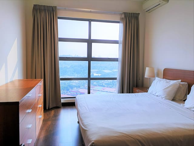Contemporary, hotel-style suite incl. WIFI+parking