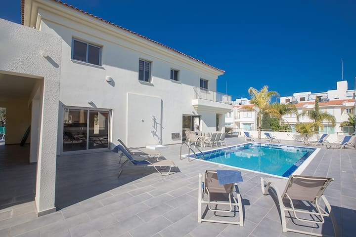 Villa Layla with  private pool