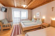 Modernes Schlafzimmer Holunda
