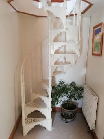 Spiral staircase up to breakfast