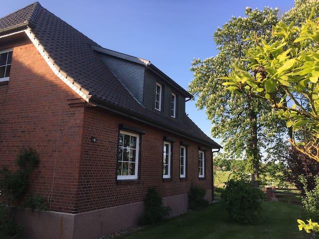 2 Zimmer Ferienwohnung für 2- 6 Per - Boizenburg/Elbe - Appartement