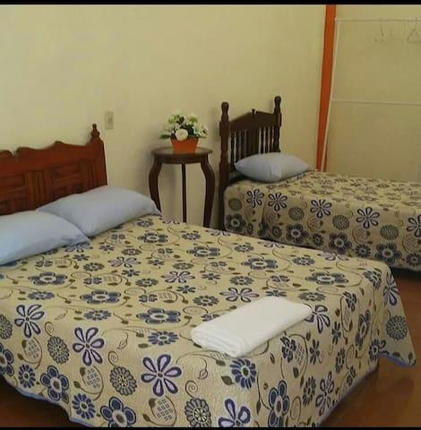 LA TRANQUILA  6 camas y muchooo espacio
