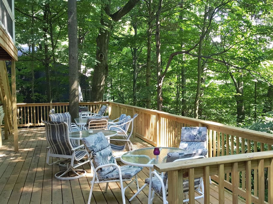 Big deck with lots of outside seating