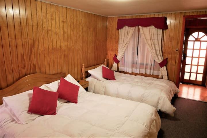 Private Room/Bathroom at Hospedaje Maria