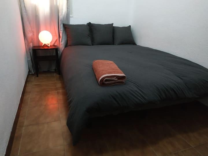 Habitación cómoda y céntrica, a 3 min de Sol