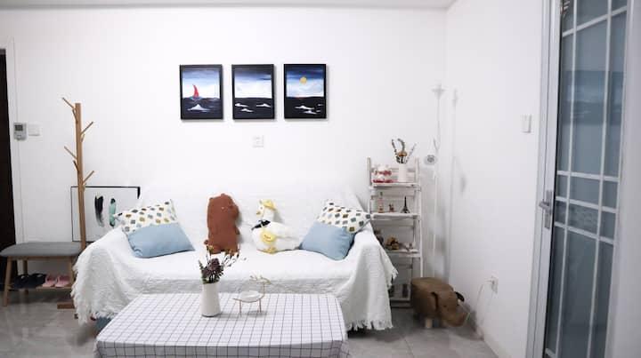 【小诺民宿】温馨小舍 大明湖/泉城路/宽厚里/芙蓉街/火车站 一室一厅