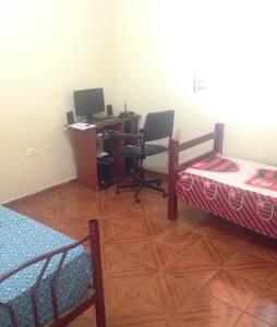 Um ótimo quarto e confortável