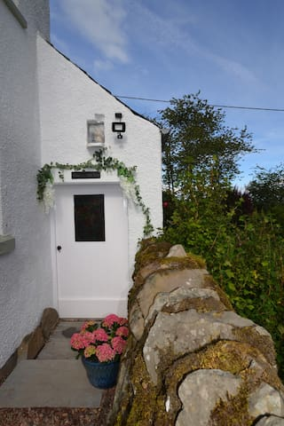 The  Beautiful Post House Bothy Midlem Selkirk