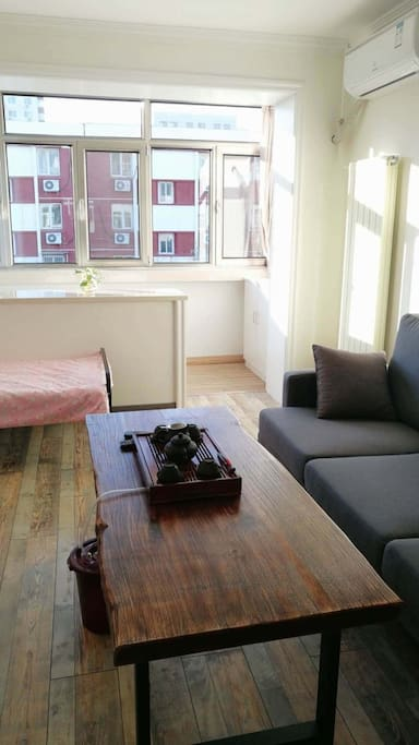卧室1兼客厅