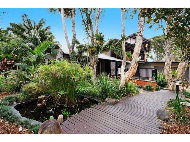 Ultimate beach house for up to 3 guests! - Peregian Beach - Huis