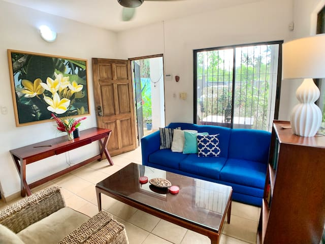 CASA PLUMERIA 🏖☀️, room in cozy beach house