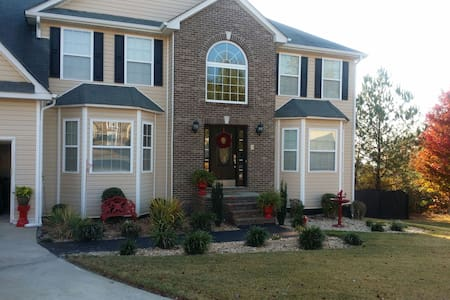 Suburban Stay, private Room&Bathroom, Near Airport - Douglasville - House