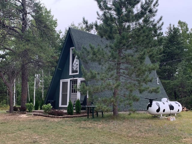 All Newly Renovated Morel Cottage