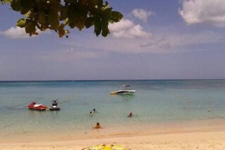 Karapat (4) - Port-Louis