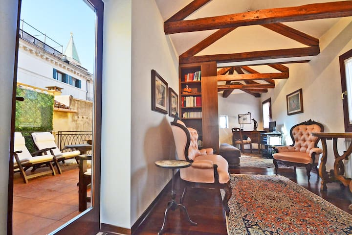 Terrazza Patriarca - Penthouse in San Marco square - Apartments for ...