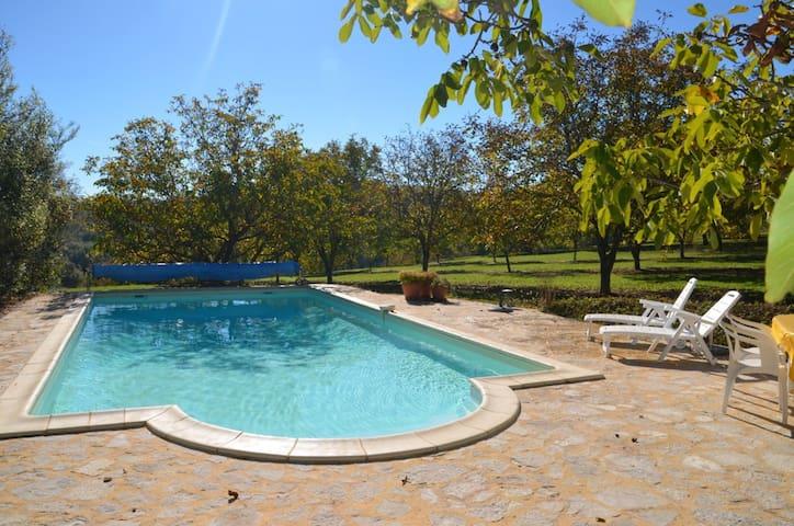 vakantiehuis met privé zwembad - Saint-Laurent-la-Vallée - Srub