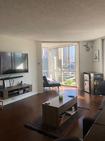 Room W/Amazing DTLA views inside Penthouse!